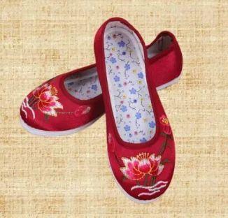 繡鞋.jpeg
