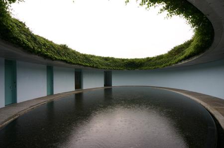 直島現代美術館2.jpg